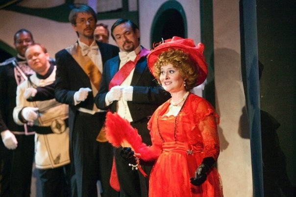 Hanna Glawari, The Merry Widow, Union Avenue Opera, St. Louis, Missouri, 2009